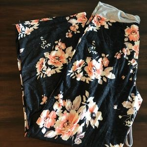 Intimates & Sleepwear - Floral lounge pants